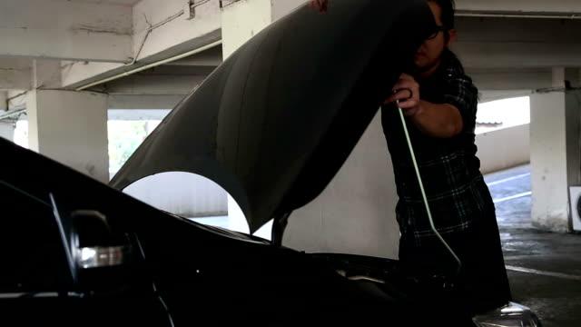 stockvideo's en b-roll-footage met car hood - motorkap