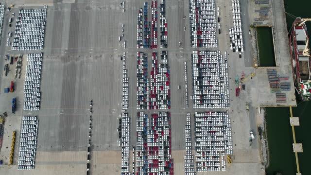 stockvideo's en b-roll-footage met parkeerplaats voor auto import - luchtvaartuig