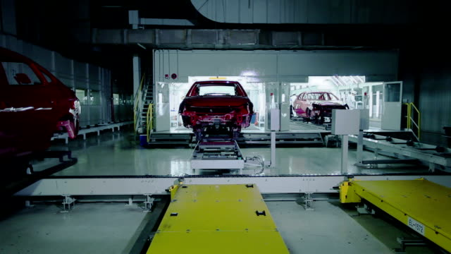 stockvideo's en b-roll-footage met car industry, automobile - assemblagelijn