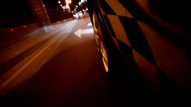 vídeos de stock, filmes e b-roll de viagem de carro por diária - yellow taxi