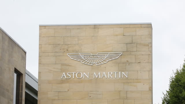 stockvideo's en b-roll-footage met car manufacturing at aston martinƒs gaydon hq in gaydon england united kingdom on tuesday september 4 2018 - westers schrift