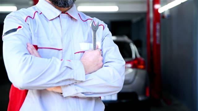 car mechanic control - 4k resolution - dismantling stock videos & royalty-free footage
