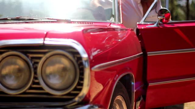 auto-montage mit ton - abgas stock-videos und b-roll-filmmaterial