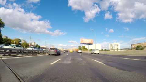 a car passes through the third ring road (one of the main highways) in moscow - image stock-videos und b-roll-filmmaterial