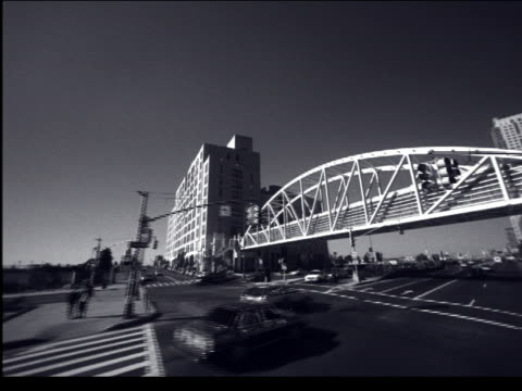vidéos et rushes de b/w car point of view under bridge on west side highway / nyc - cinématographie
