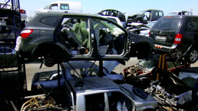 car recycling - obsolete stock videos & royalty-free footage