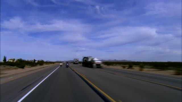 vídeos de stock, filmes e b-roll de rear pov, car riding on highway, boulder city, nevada, usa - boulder city