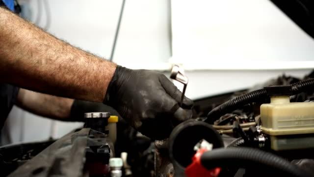 車のサービス - 作業道具点の映像素材/bロール