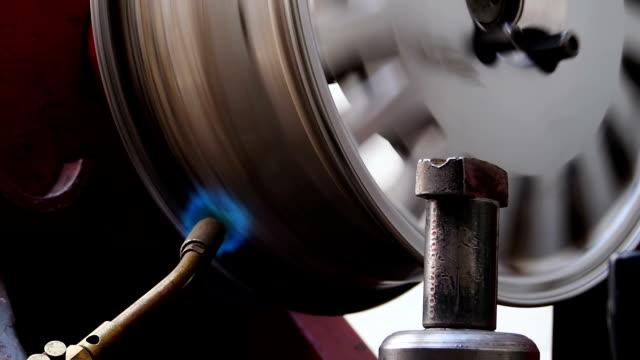 Auto servise reparing weld rim