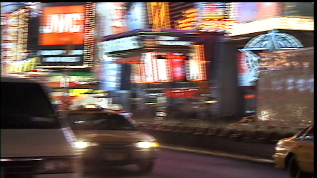 car times square area, nyc - broadway manhattan stock-videos und b-roll-filmmaterial