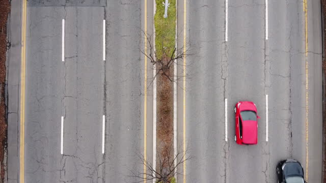 vídeos de stock, filmes e b-roll de car traffic on road / gyeonggi-do, south korea - pista asfaltada