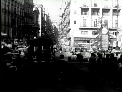 b/w pov car traveling through street of city, naples, italy / audio - ナポリ点の映像素材/bロール