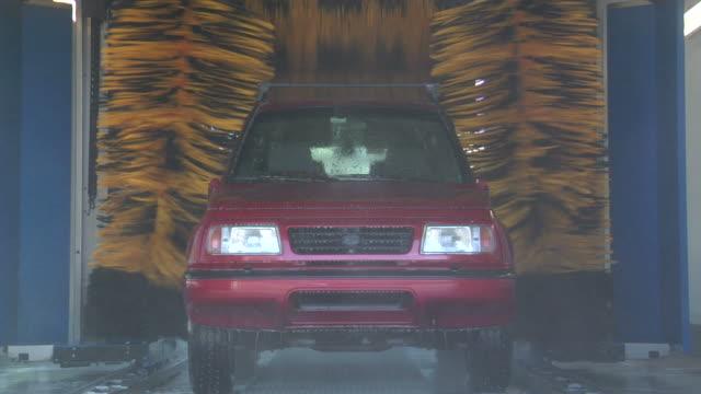 car wash. part 05 - biltvätt bildbanksvideor och videomaterial från bakom kulisserna