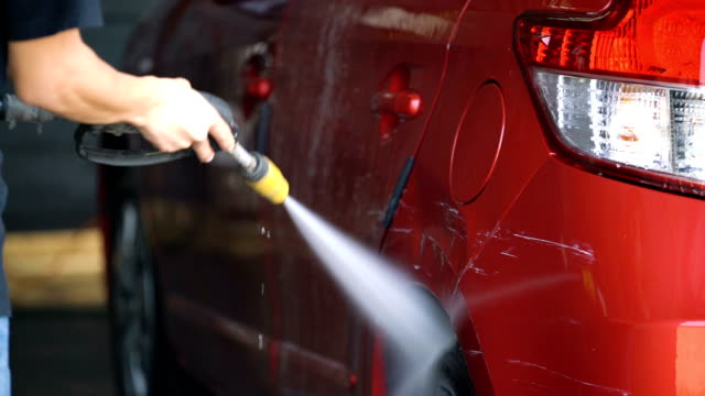 slo mo biltvätt service. - biltvätt bildbanksvideor och videomaterial från bakom kulisserna