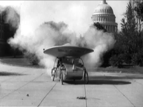 vídeos de stock, filmes e b-roll de car with unusual roof exploding into flames - vintage car