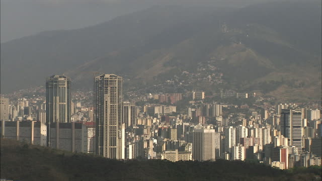 ws ha caracas high rises in valley / metropolitan district of caracas, miranda, venezuela - caracas stock videos & royalty-free footage