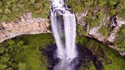 卡拉科爾瀑布在卡內拉, rs, 巴西 - 巴西 個影片檔及 b 捲影像