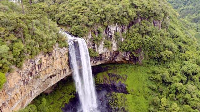 caracol falls in canela, rs, brazil - stato di rio grande do sul video stock e b–roll