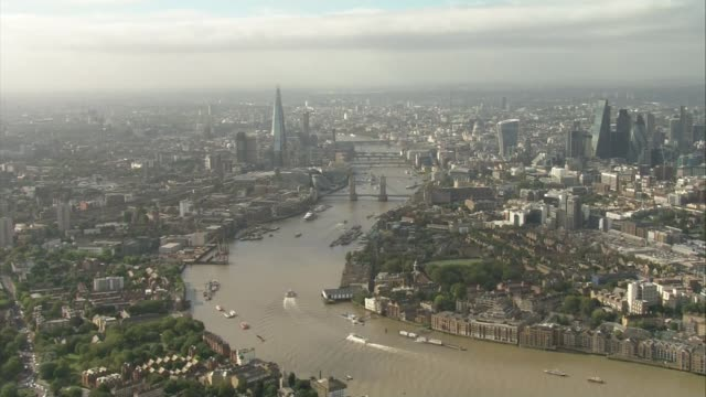 vídeos y material grabado en eventos de stock de london buildings amongst nominees file england london london skyline showing tower bridge the shard and city of london skyscrapers - ciudad de londres