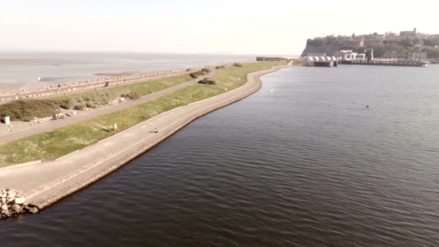 cardiff bay barrage - baia video stock e b–roll