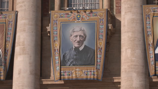 cardinal john henry newman at holy mass and canonizations of sister dulce lopes pontes, sister giuseppina vannini, cardinal john henry newman, sister... - heiliger stock-videos und b-roll-filmmaterial