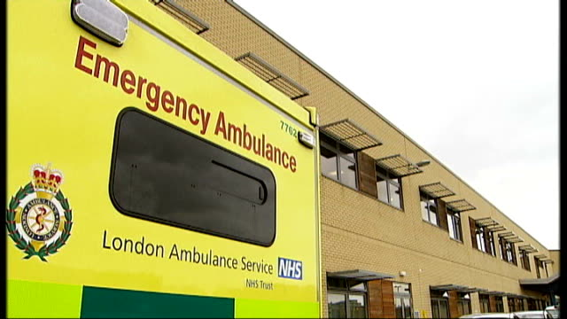 stockvideo's en b-roll-footage met care quality commission launches investigation into nhs trust 8021139 general view of exterior of the queen's hospital emergency ambulance triage... - triage