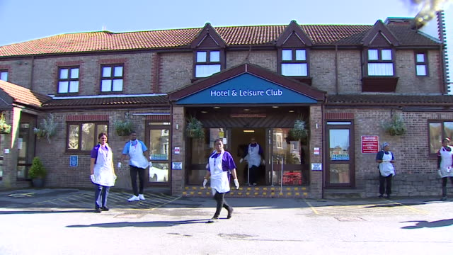 carers outside best western hotel weymouth that is being turned into a hospital for low risk patients so nhs can concentrate on coronavirus patients - thank you englischer satz stock-videos und b-roll-filmmaterial