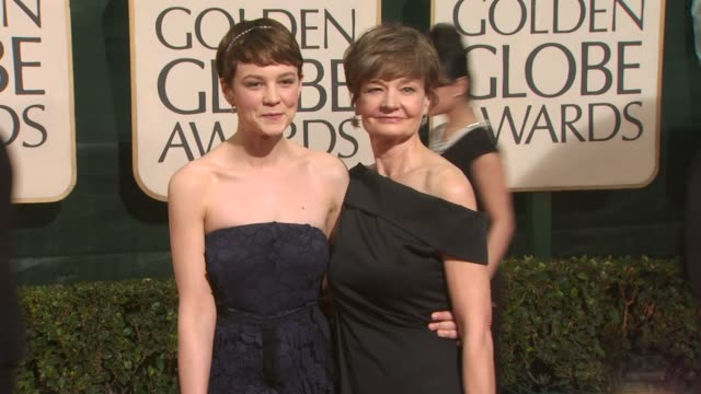 carey mulligan at the 67th annual golden globe awards arrivals part 3 at beverly hills ca - ゴールデングローブ賞点の映像素材/bロール
