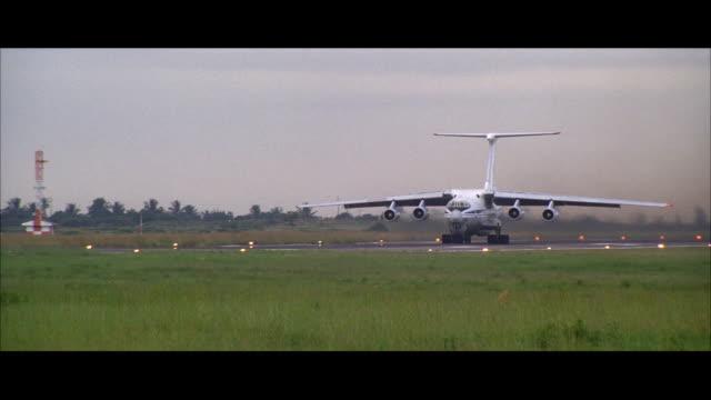 ws ts cargo plane taking off - cargo aeroplane stock videos & royalty-free footage