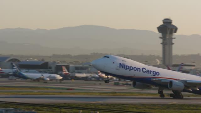 cargo plane - cargo aeroplane stock videos & royalty-free footage