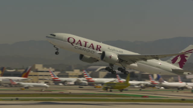 cargo plane - qatar stock videos & royalty-free footage