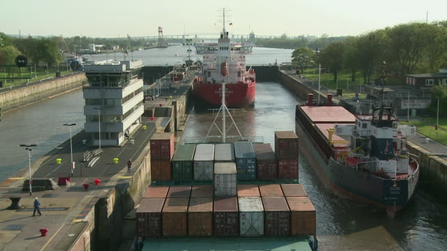 pov cargo ship entering terminal / brunsbuttel, schleswig-holstein, germany - schleswig holstein stock-videos und b-roll-filmmaterial