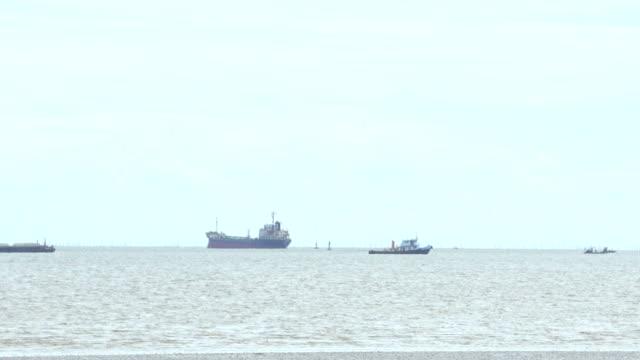 vidéos et rushes de navire à voile de haute mer - cargo