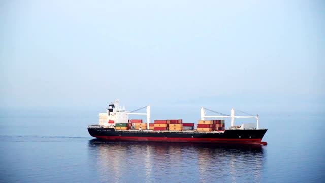 cargo schiff - behälter stock-videos und b-roll-filmmaterial