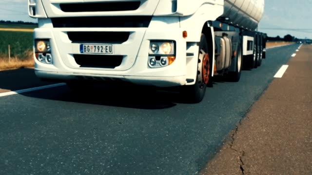 vidéos et rushes de transport de marchandises. - semi remorque