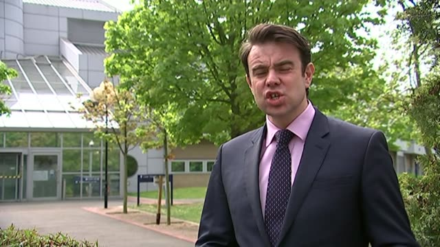 jeffrey okafor jailed woolwich crown court reporter to camera hilda asiedu setup shots with reporter / interview sot - ウールウィッチ点の映像素材/bロール