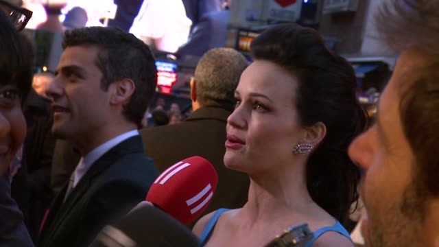 Carla Gugino Oscar Issac at the Sucker Punch UK Premiere at London England