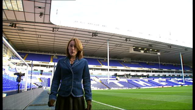 carling cup semifinal; tottenham: white hart lane: **copyright music overlaid sot** reporter to camera - 準決勝点の映像素材/bロール