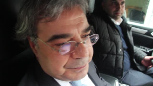 vidéos et rushes de carlos abu jaoude lawyer of former nissan chief carlos ghosn speaks to reporters in front of a prosecutors' office in beirut lebanon on january 09... - ghosn