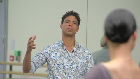 carlos acosta teaching a ballet class - ballet dancing stock videos & royalty-free footage