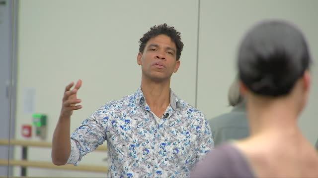 carlos acosta teaching a ballet class - latin american and hispanic stock videos & royalty-free footage