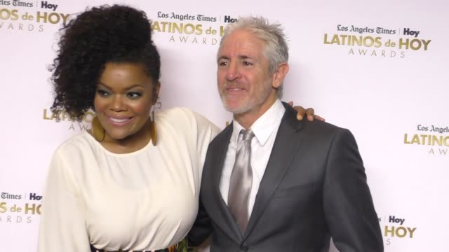 Carlos Alazraqui and Yvette Nicole Brown at the 2016 Latinos de Hoy Awards at Dolby Theatre in Hollywood on October 09 2016 in Hollywood California