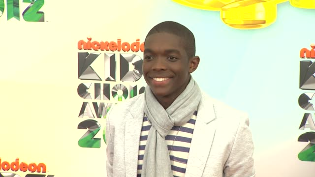 carlos knight at nickelodeon's 25th annual kids' choice awards on 3/31/2012 in los angeles ca - nickelodeon bildbanksvideor och videomaterial från bakom kulisserna