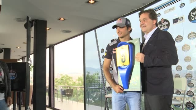 carlos sainz jr of scuderia toro rosso attend press conference to donate the front of his first kart to estrella galicia museum - in front of点の映像素材/bロール
