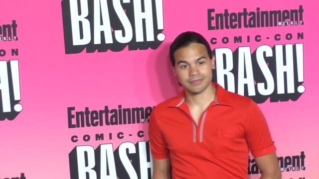 carlos valdes at entertainment weekly hosts annual comic-con celebration at float at hard rock hotel san diego on july 23, 2016 in san diego,... - ハードロックカフェ点の映像素材/bロール