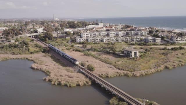 vídeos y material grabado en eventos de stock de antena de tren carlsbad california - carlsbad california