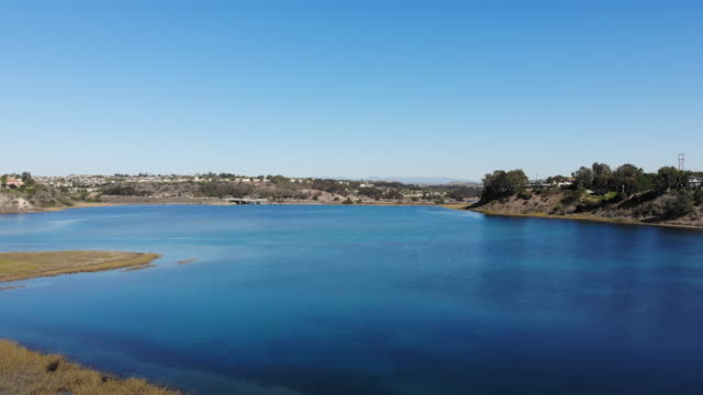 vídeos de stock, filmes e b-roll de lagoa de carlsbad - laguna