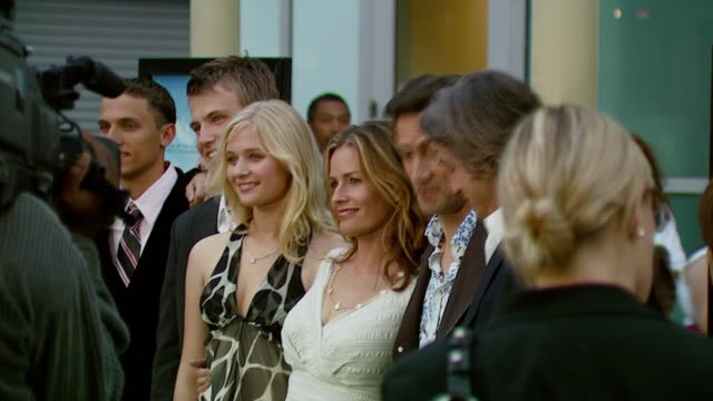 carly schroeder, elisabeth shue, and andrew shue at the 'gracie' premiere at arclight hollywood in hollywood, california on may 23, 2007. - elisabeth shue stock videos & royalty-free footage