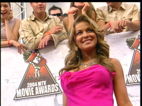 Carmen Electra Arriving to the 2004 MTV Movie Awards Red Carpet