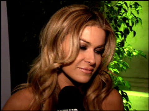 carmen electra at the xbox 360 launch party on november 16 2005 - 2005 stock-videos und b-roll-filmmaterial